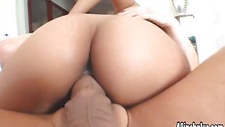 Topnotch Olivia Winters gives her dude an intense blow job