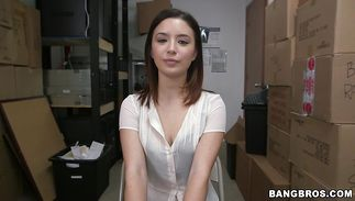 Filthy brown-haired Daisy Summers is sucking lovestick and expecting a facial ejaculation in the end of it